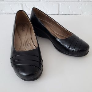 Soft Style Black Ballet Flats